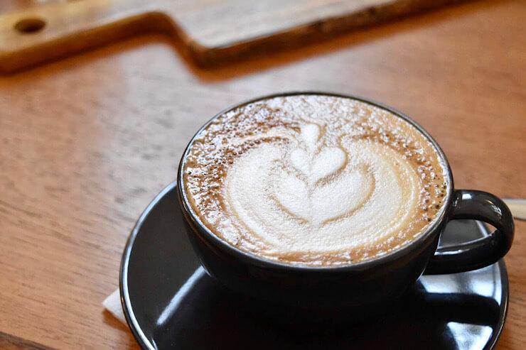 Kahvipaahtimo Lehmusラテ